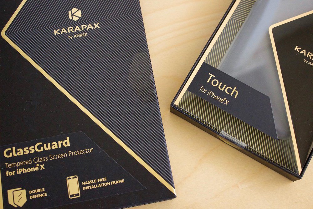 調整フレームを使ってズレずに貼れるiPhone X用ガラスフィルム「Anker KARAPAX GlassGuard」