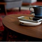 シンプルなデザインから、テーブル埋め込みタイプまで。IKEAのワイヤレス充電器。
