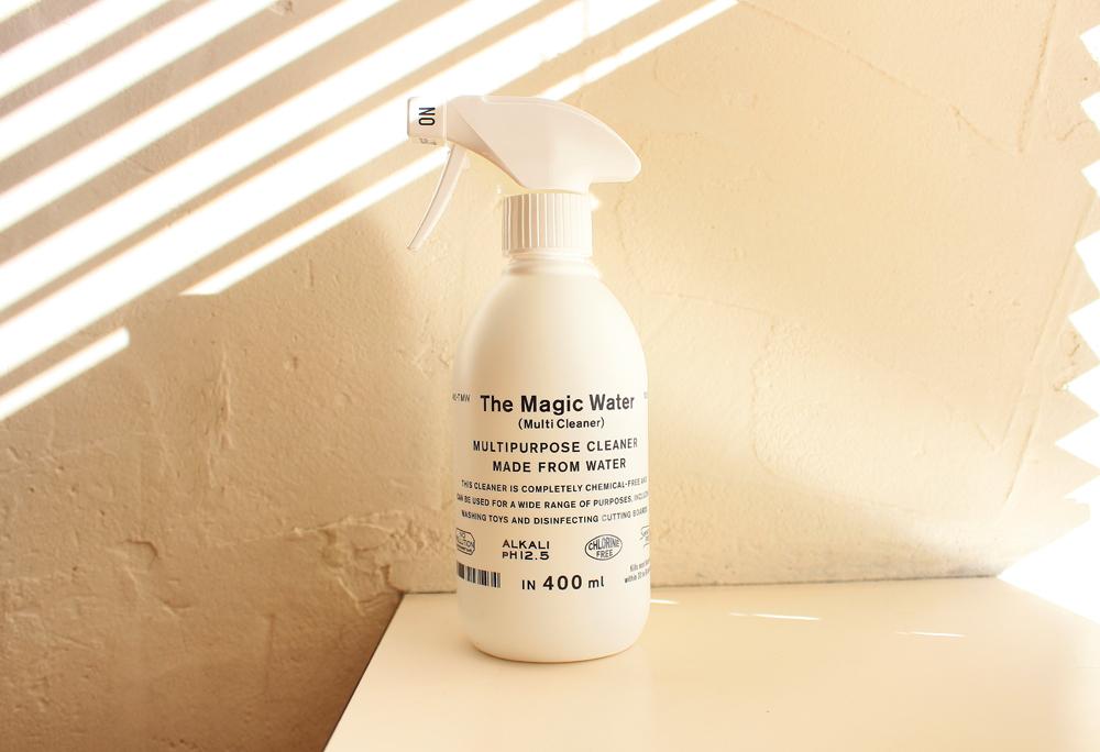 確かに魔法の水。水だけでできてるマルチクリーナー「The Magic Water」