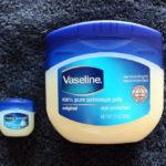肌の潤いをキープしてくれる、簡単ボディケアの必需品「ヴァセリン」